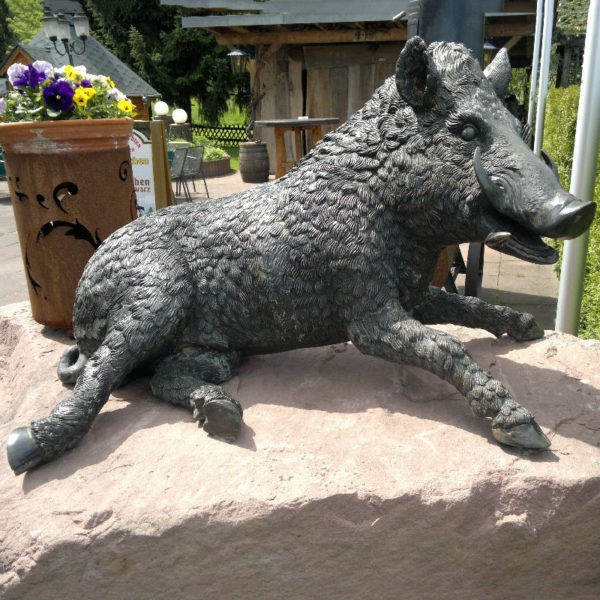 outdoors ; indoor ; bronze statue ; decorate ; Large scale ; City decoration ; garden ; Park decoration ; Wild Boar ; Wild Boar sculpture ; Wild Boar statue ; Life Size ; Famous Design Metal Craft Bronze Wild Boar Sculpture for garden