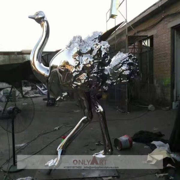 Outdoor mirror stainless steel animal sculpture life size ostrich
